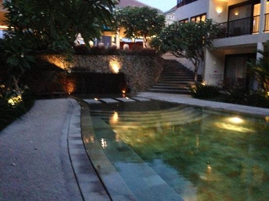 The Camakila Legian Bali:                   the pool at dusk