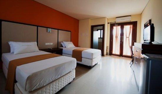 Sandat Hotel Legian : Deluxe Room Twin Bed