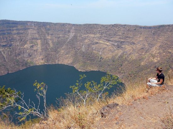 Pinolero Tours Day Tours: At the rim of the Cosiguina Volcano Crater at noon