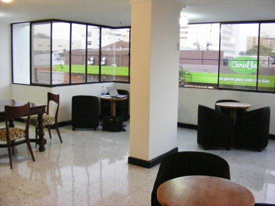 Apartotel Eslait : Lobby