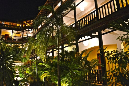 Siddharta Boutique Hotel:                   The hotel from its gardens