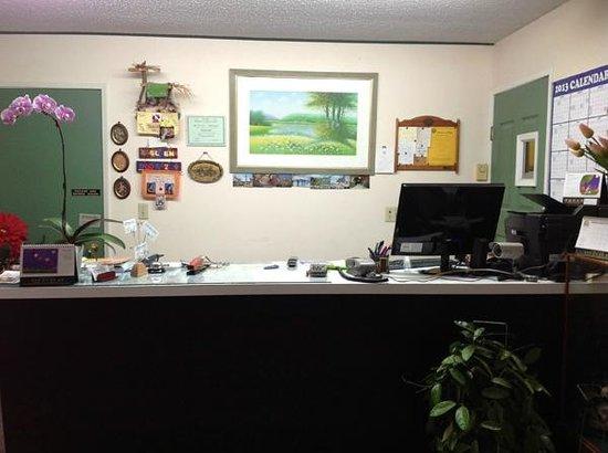 Windsor Motel: Office Lobby
