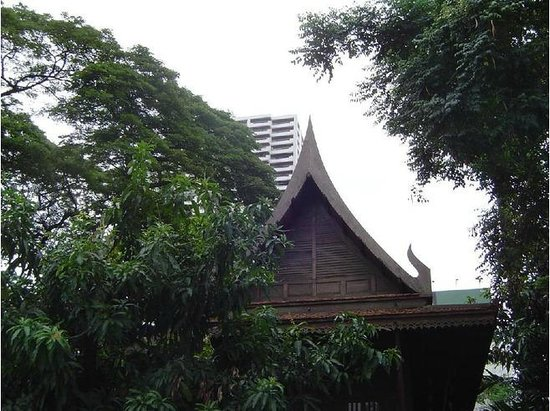 Kamthieng House Museum (The Siam Society):                   Teak house