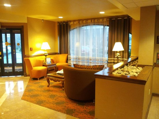 BEST WESTERN PLUS Greensboro Airport Hotel: all renovated nicely