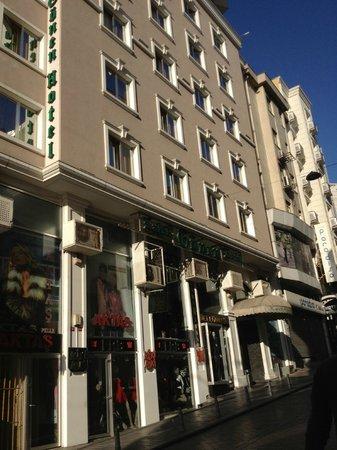 Outside photo de laleli gonen hotel istanbul tripadvisor for Hotels in istanbul laleli area