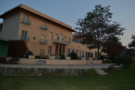 The Gateway Hotel Ramgarh Lodge Jaipur: Royal retreat