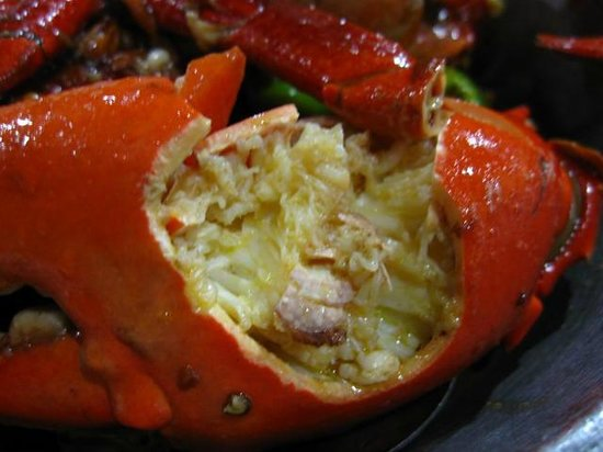 Aling Tonya's Seafood Palutuan:                   Crab is fully cooked. If it is boiled, it should be more delicious.