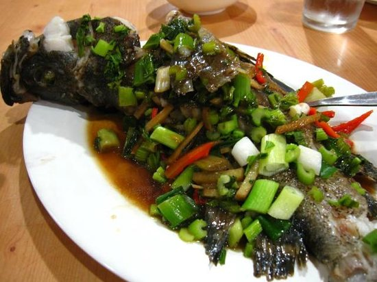 Aling Tonya's Seafood Palutuan:                   A cooked dish does not mean that it is delicious. The fresh fish is ruined.