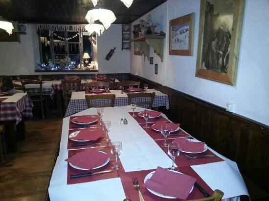 Restaurant La Ferme :                   la salle