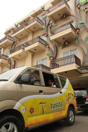 The Tusita Hotel:                   Shuttle Hotel - Bandara