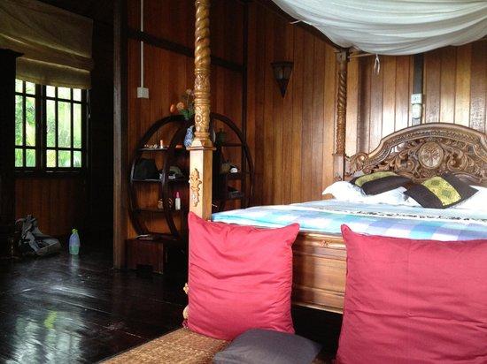 Bunaken Island Resort:                   Dit was de slaapkamer, hoe mooi