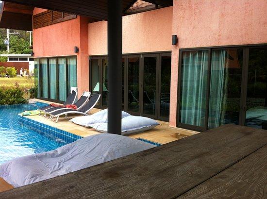 Tha Lane Bay Villas:                   Private pool and sala