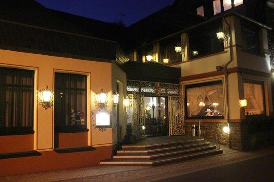 Schloss-Hotel Petry: L'entrée