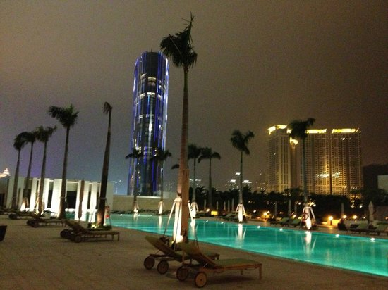 Grand Hyatt Macau:                   Hotel Pool
