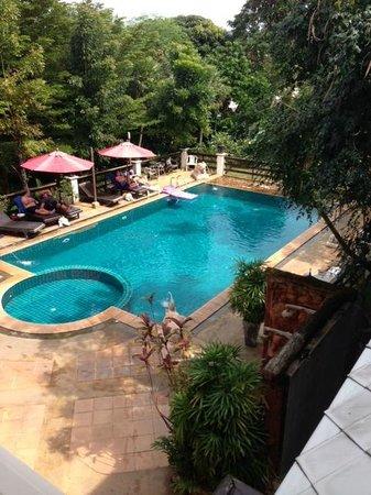 Sea Breeze Place:                   The pool