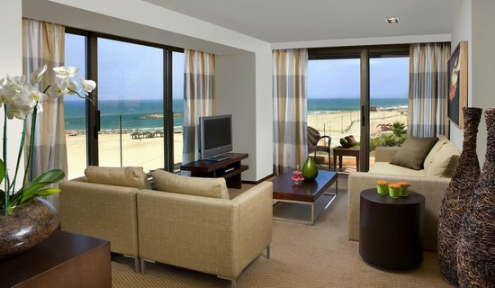 Dan Accadia Hotel Herzliya: First Floor Chalet Suite