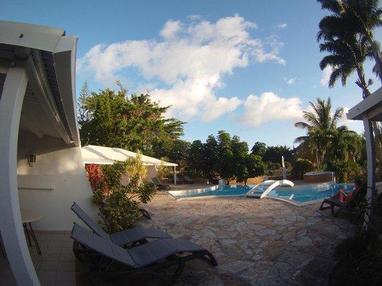 Vue sur la chambre et la piscine picture of la metisse for Choupi et doudou a la piscine