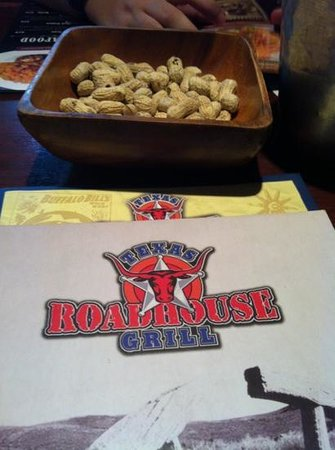 Texas Roadhouse Grill :                   welcome peanuts!!