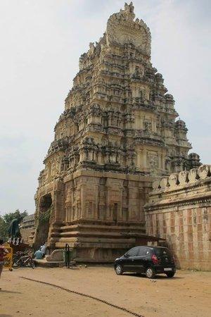Srirangapatna:                   Sri Ranganathaswamy Temple