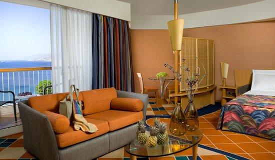 Dan Eilat: Family Room