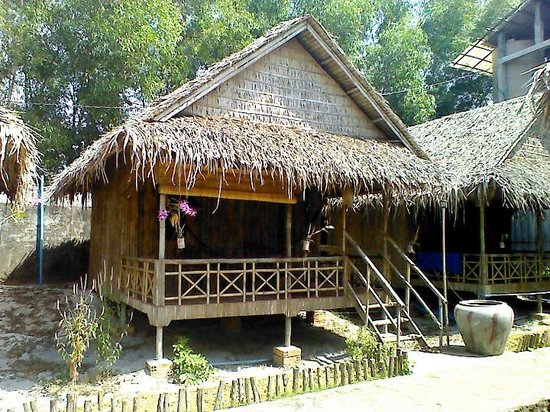 Otres Orchid :                   Our bamboo hut