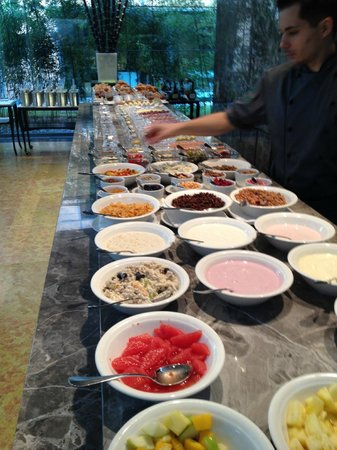 The Mandala Hotel:                   Breakfast buffet