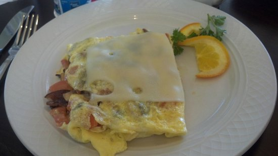 Hilton Garden Inn San Jose/Milpitas:                   A healthy start to the day! Delicious fresh hot omelet