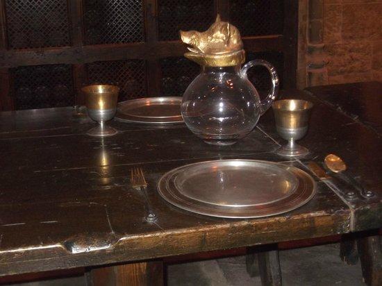 Vestito di ron ballo del ceppo foto di warner bros studio tour london the making of harry - A tavola con harry potter ...