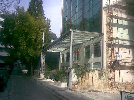 Best Western Plus Embassy Hotel: εξω1