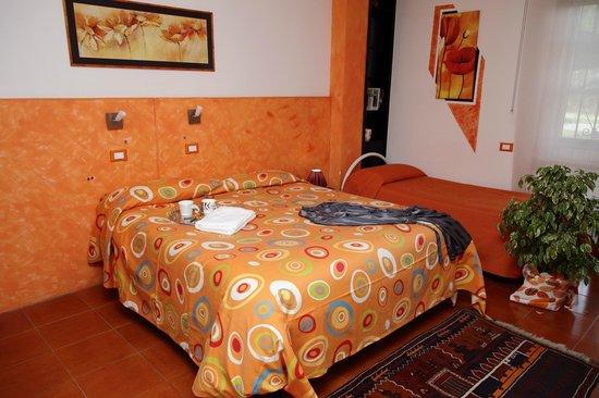 Affittacamere A casa di Marcella : Camera Arancio