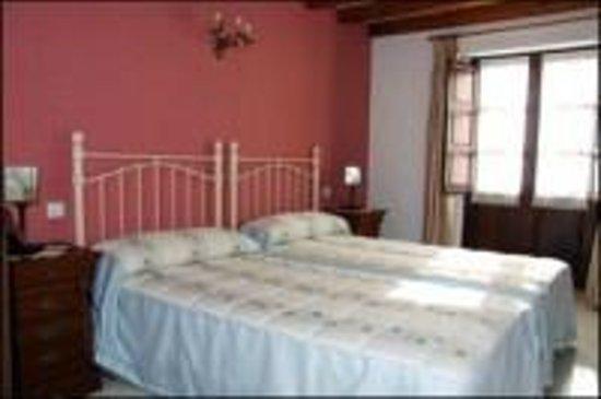 Posada Rural La Cabaña de Salmón: Dormitorio dos camas