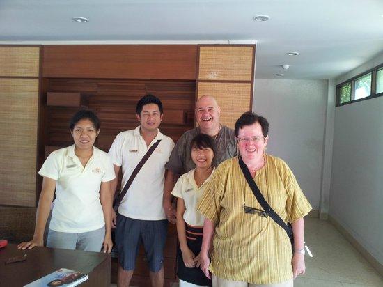 Sirarun Resort: Geschäftsführung mit uns als Gäste