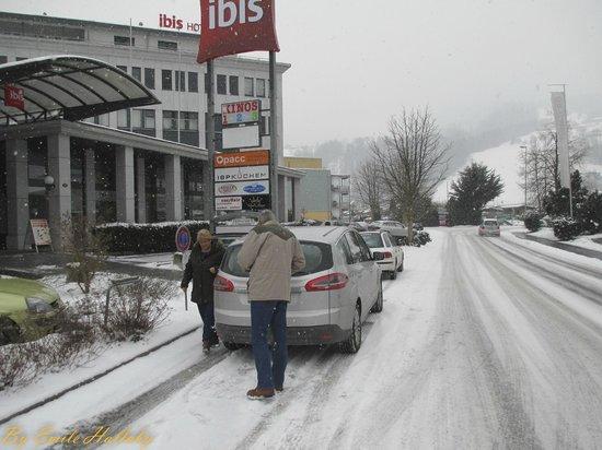 ibis Luzern Kriens:                   Hotel street