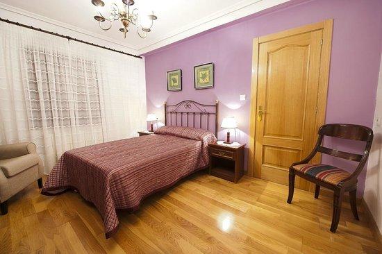 Posada Rural La Cabaña de Salmón: Privado 4 plazas: cama de matrimonio