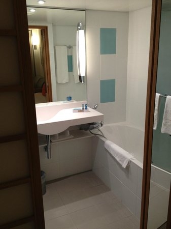 Novotel Bern Expo:                   Really nice bathroom with separate shower (on the left hidden)