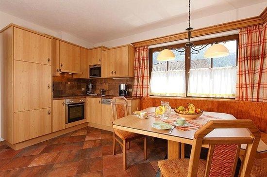 Grünwald Resort Sölden: Chalet 6 & 8 Personen - Wohnküche