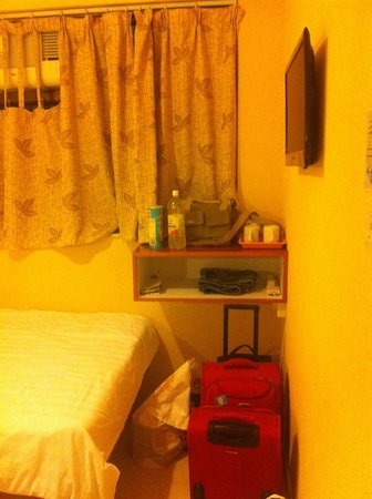Golden Crown Guesthouse:                   Renovated Double room