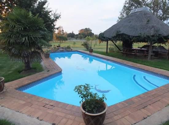 Airport Game Lodge:                   Pool