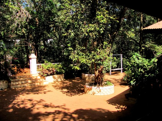 Hotel Woodlands Matheran:                   play area