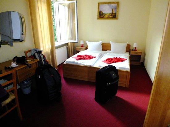 A I Hotel Königshof:                   STANZA