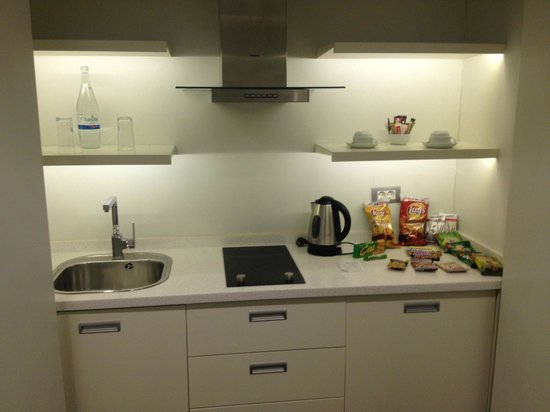 Nish Suites Besiktas:                   Little Kitchen Side