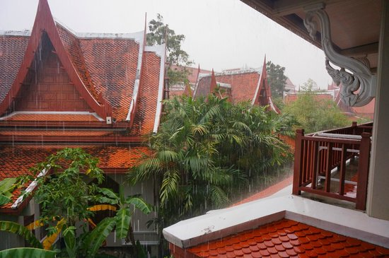 Samui Buri Beach Resort:                                     Rainy morning
