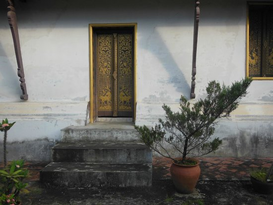 Wat Choumkhong:                   the temple                 