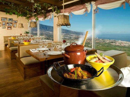 Santa Ursula, สเปน: Terraza con vistas al Valle de La Orotava, Teide y Océano Atlántico