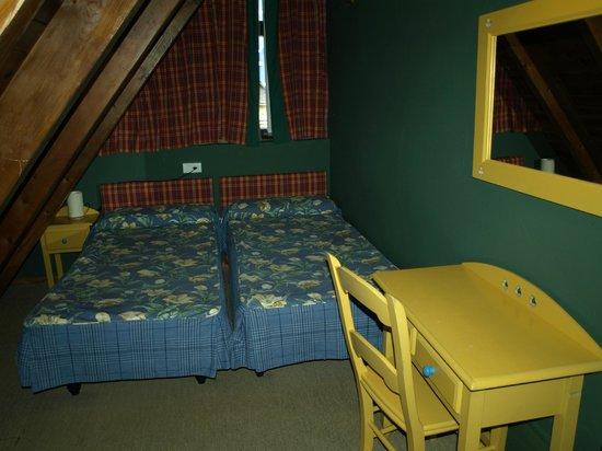 Suite Aparthotel y Spa Eth Refugi d'Aran:                   another bedroom