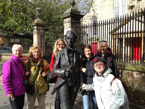 Drymen Red Bus -  Day Tours: Exploring Edinburgh in the Company of an 18th Century Poet