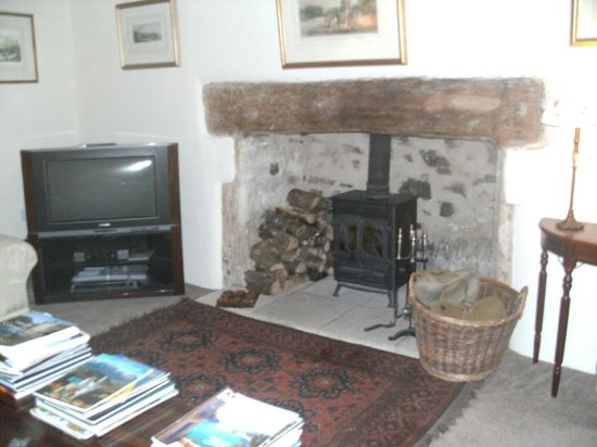 Millstream Cottage :                   Guest Lounge