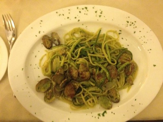 Valentino Vintage Restaurant:                   linguini with clams and Zucchini