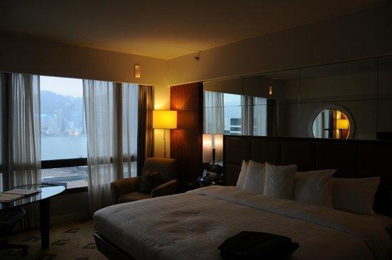 Sheraton Hong Kong Hotel & Towers:                   room                 