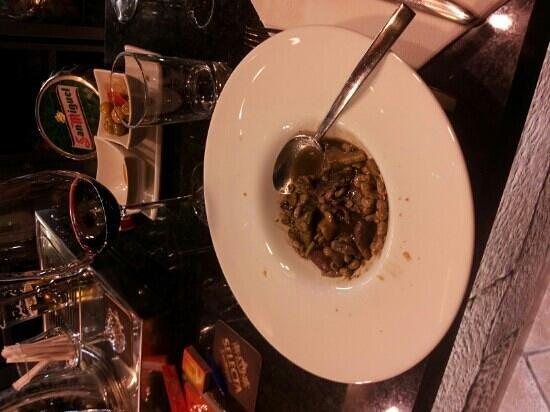 Restaurante Yerbaguena:                   habitas baby con chipirones